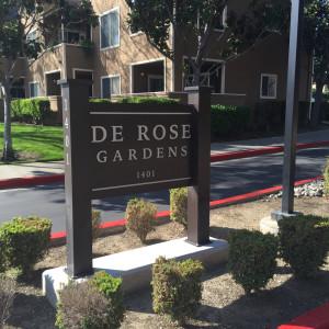 De Rose Gardens Sign