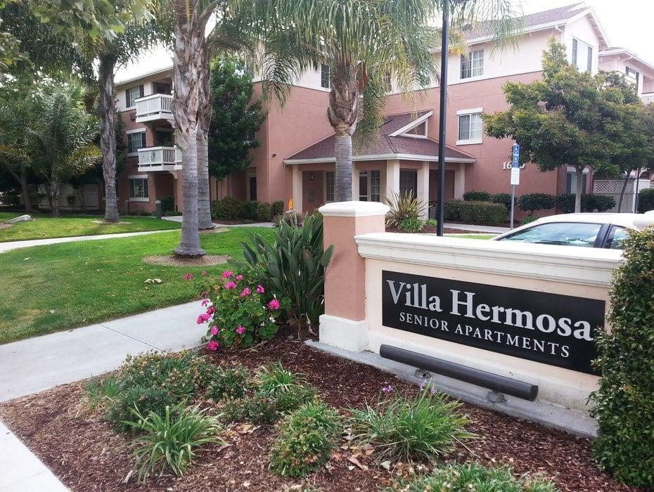 Villa Hermosa Sign